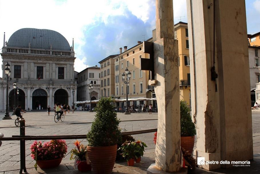 Brescia Loggia Pietre della Memoria Piazza Loggia strage